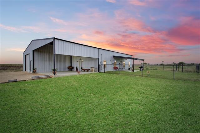 165 County Rd 405 Taylor, TX 76574