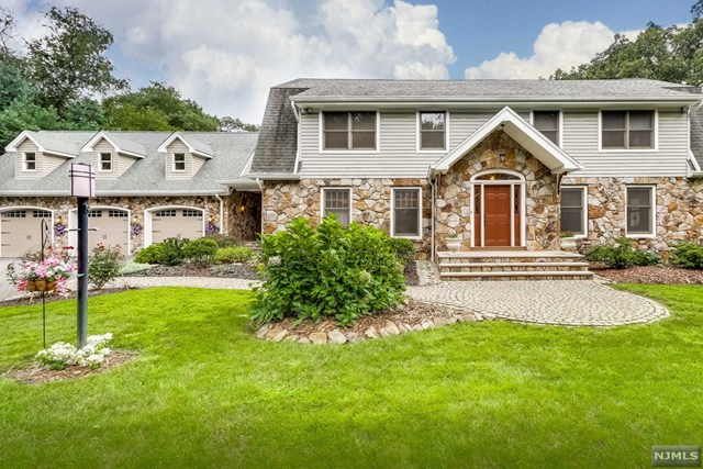 20 Sherwood Lane Wyckoff, NJ 07481