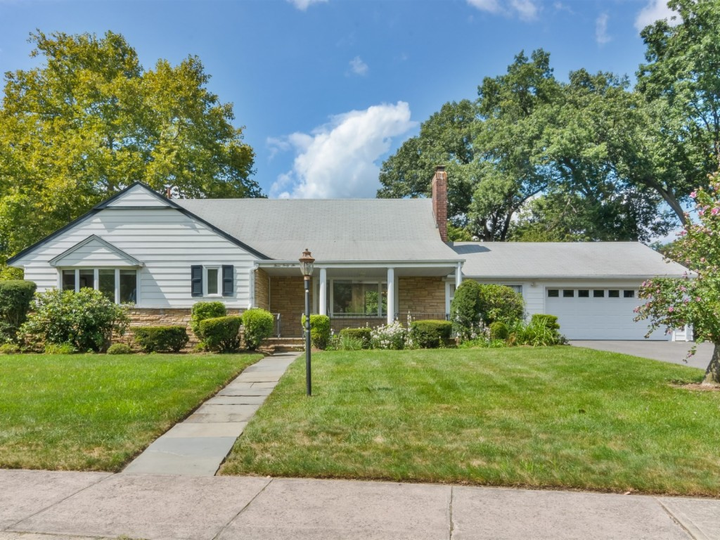 346 Owen Avenue, Paramus, New Jersey