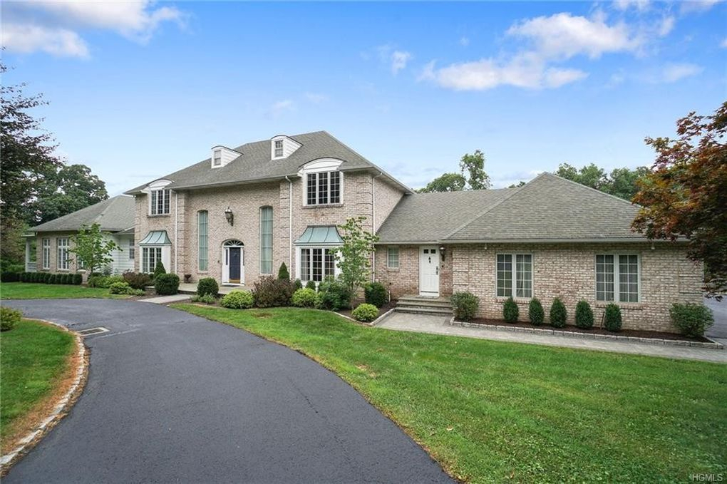 1 Briarcliff Place New Windsor, NY 12553