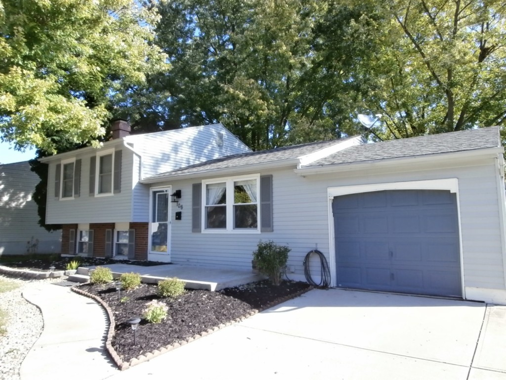 106 McLaughlin Dr. Englewood, OH 45322