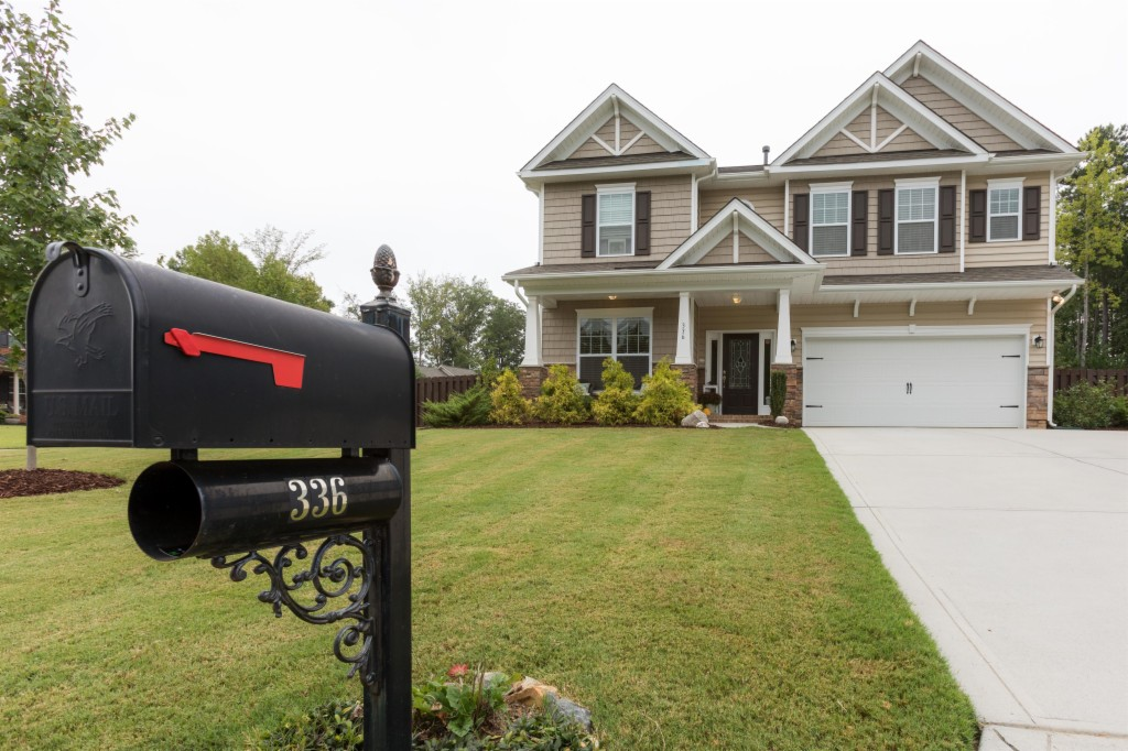 336 Windy Pine Dr, Lake Wylie South in York County, SC 29710 Home for Sale