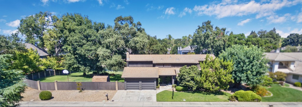 233 Royal Oaks Ct, Lodi in  County, CA 95240 Home for Sale