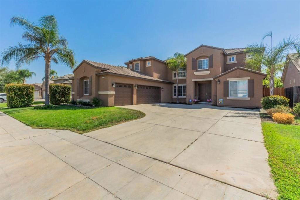9571 Larkspur, Fresno, California