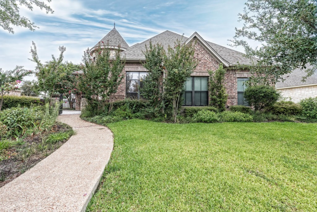313 Canterbury DR, one of homes for sale in Waco