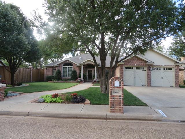 1307 Raleigh Slaton, TX 79364