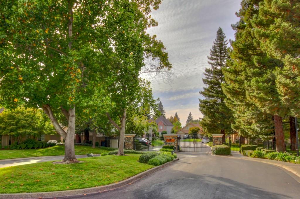 7636 Bridgeview Drive, Pocket Sacramento, California