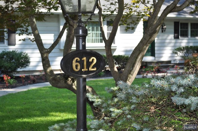 612 Lawlins Road, Wyckoff, New Jersey