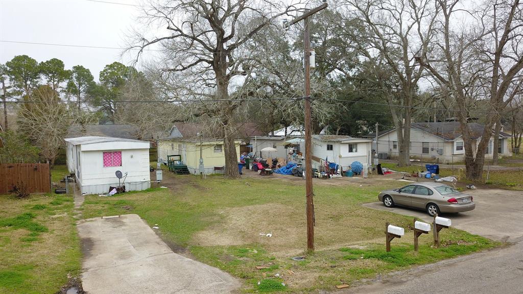 1016 Robinson Street Alvin, TX 77511