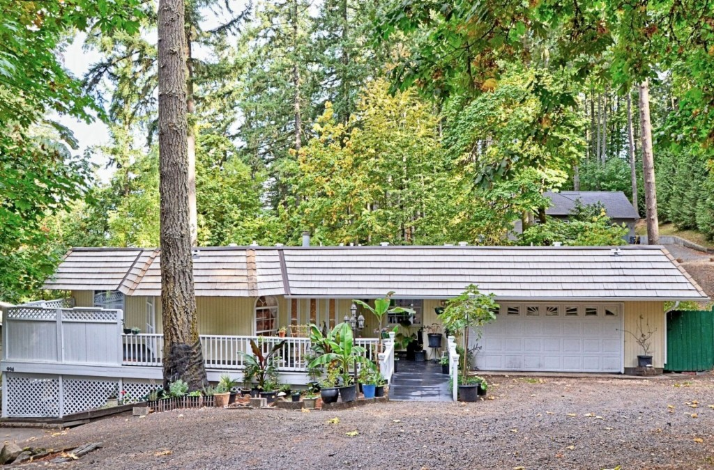 994 S 71st St, Springfield in  County, OR 97478 Home for Sale