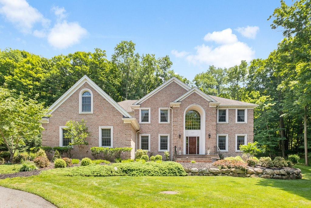 707 Ramapo Valley Road, Mahwah, New Jersey