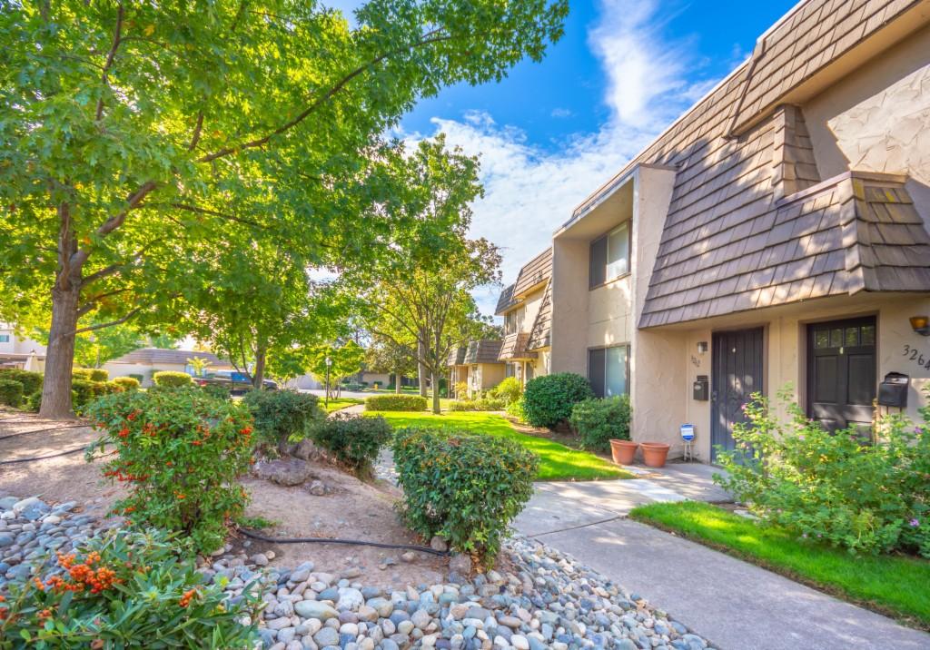 3262 Via Grande Sacramento, CA 95825
