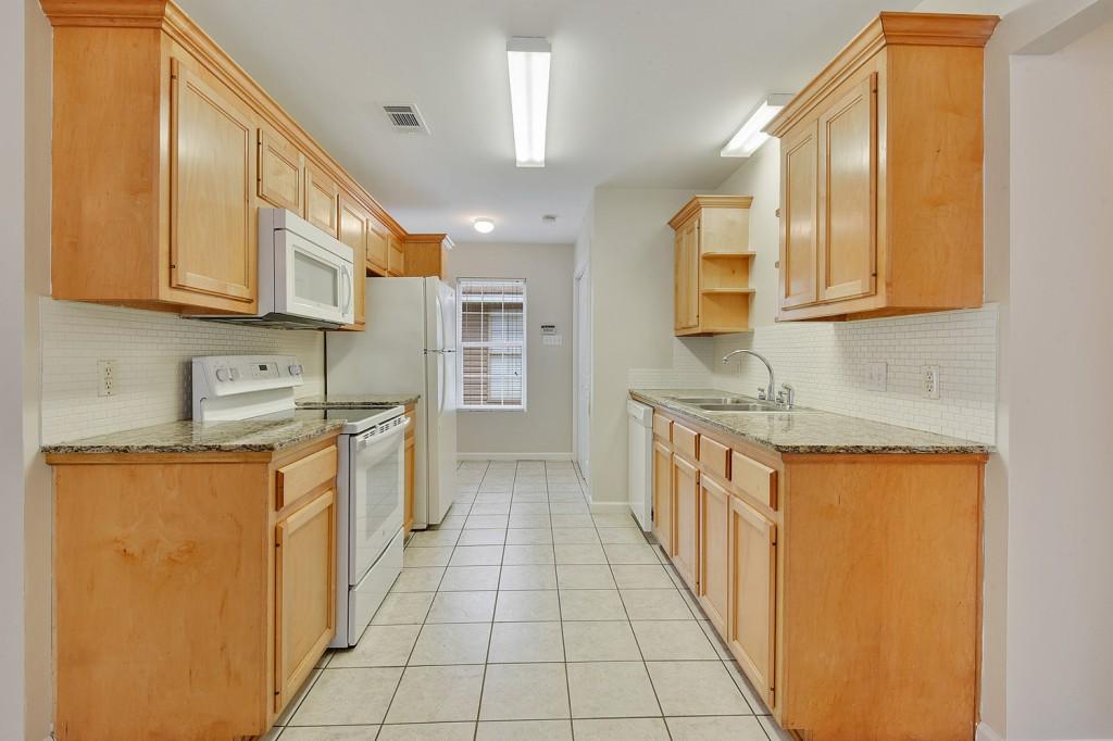 30161 Kinchen Street Albany, LA 70711