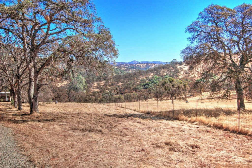 9060 Valley Rd - photo 9