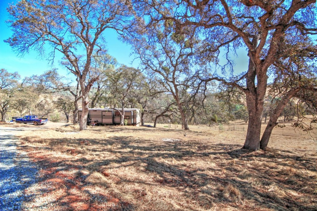 9060 Valley Rd - photo 12