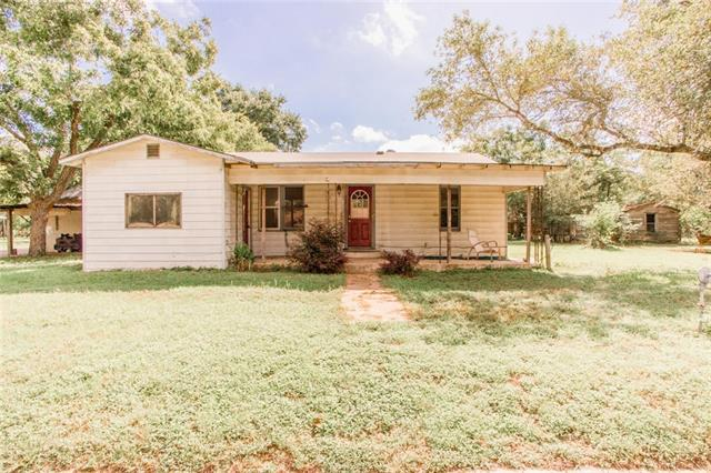 324 Ivy AVE Luling, TX 78648