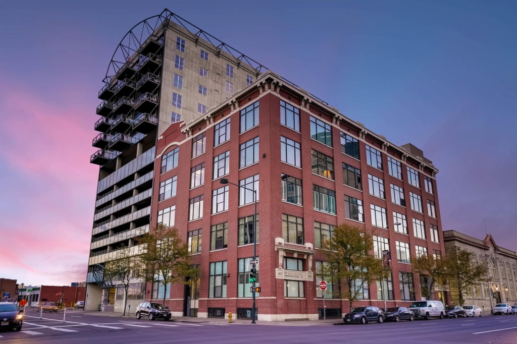 2000 ARAPAHOE St, East Denver, Colorado