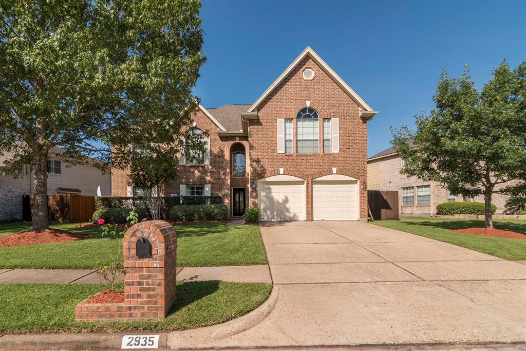 2935 Regata Run Drive, Friendswood in Harris County, TX 77546 Home for Sale