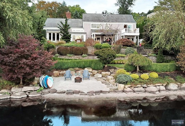 912 West Pines Lake Drive Wayne Township, NJ 07470