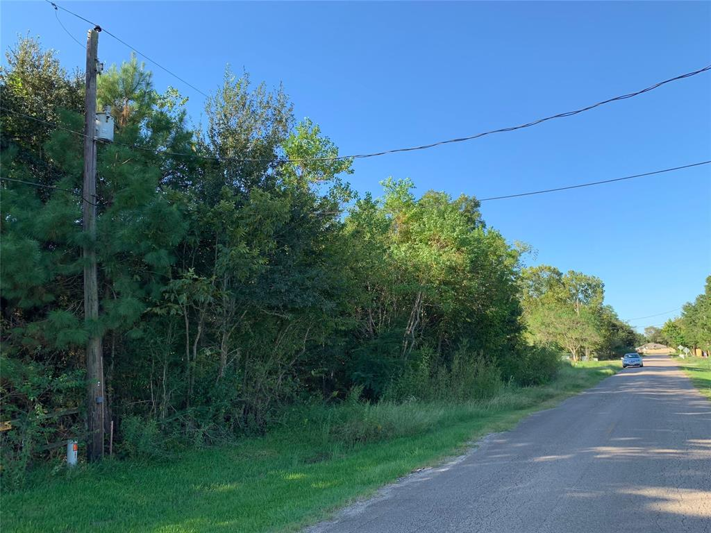 3513 County Road 161 Alvin, TX 77511