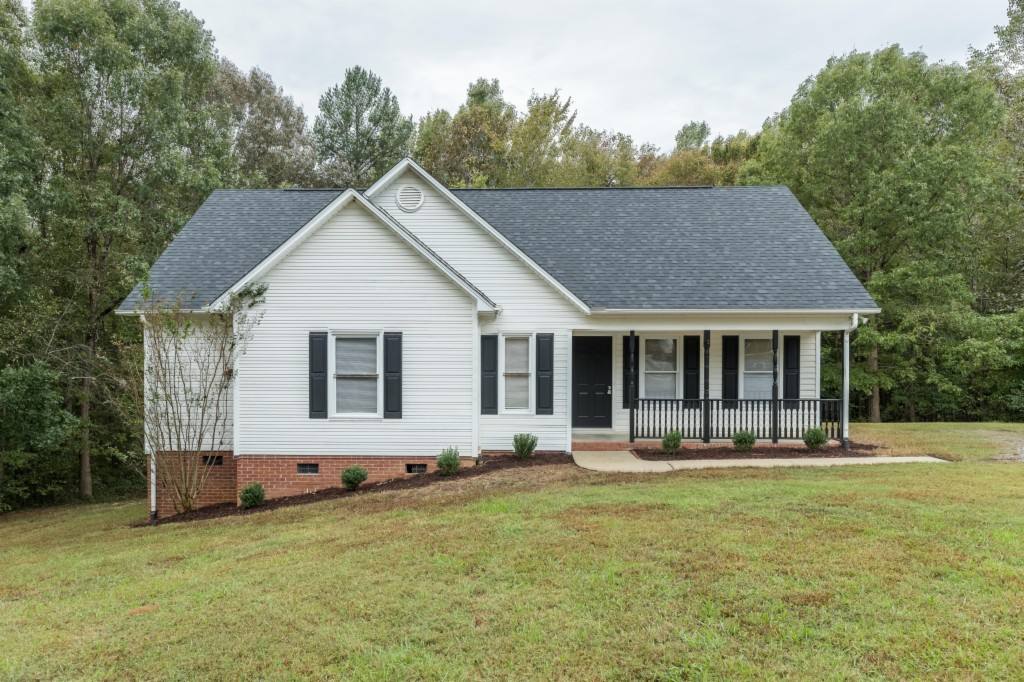 3143 Bush Rd, Lake Wylie South in York County, SC 29710 Home for Sale