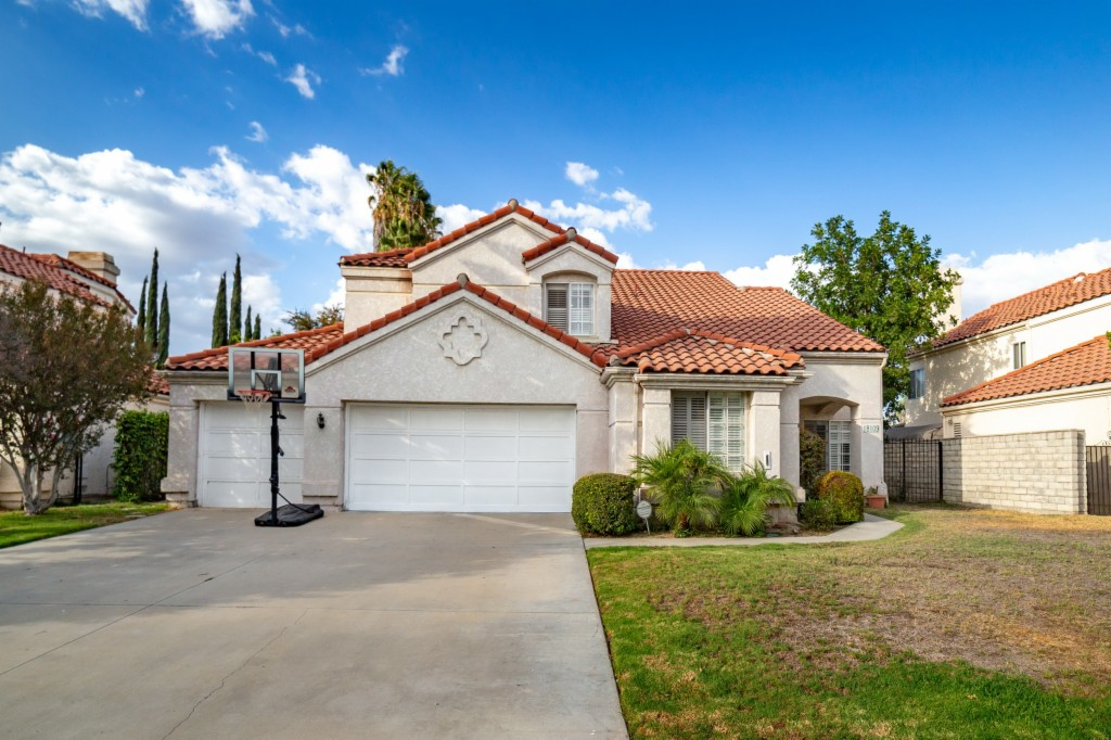 18109 Herbold Northridge, CA 91325