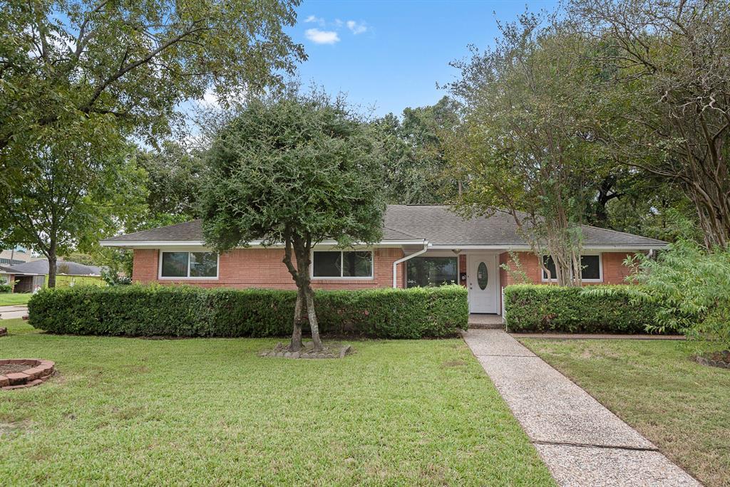 3003 Topham Circle, Garden Oaks, Texas