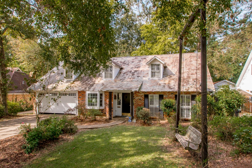 1758 Chateau Ct 70815 - One of Baton Rouge Homes for Sale