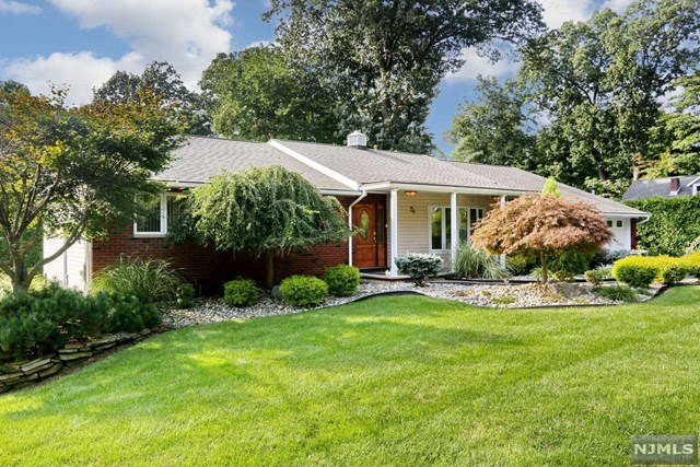 26 Cottage Avenue, Montvale, New Jersey