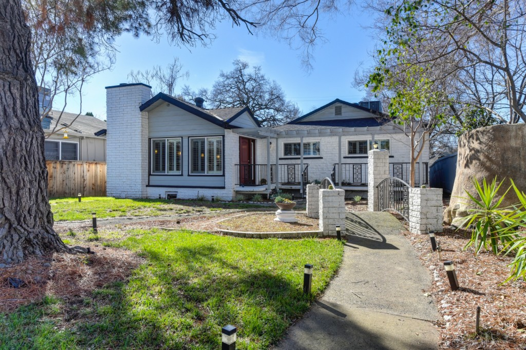 4448 F Street, Sacramento East, California