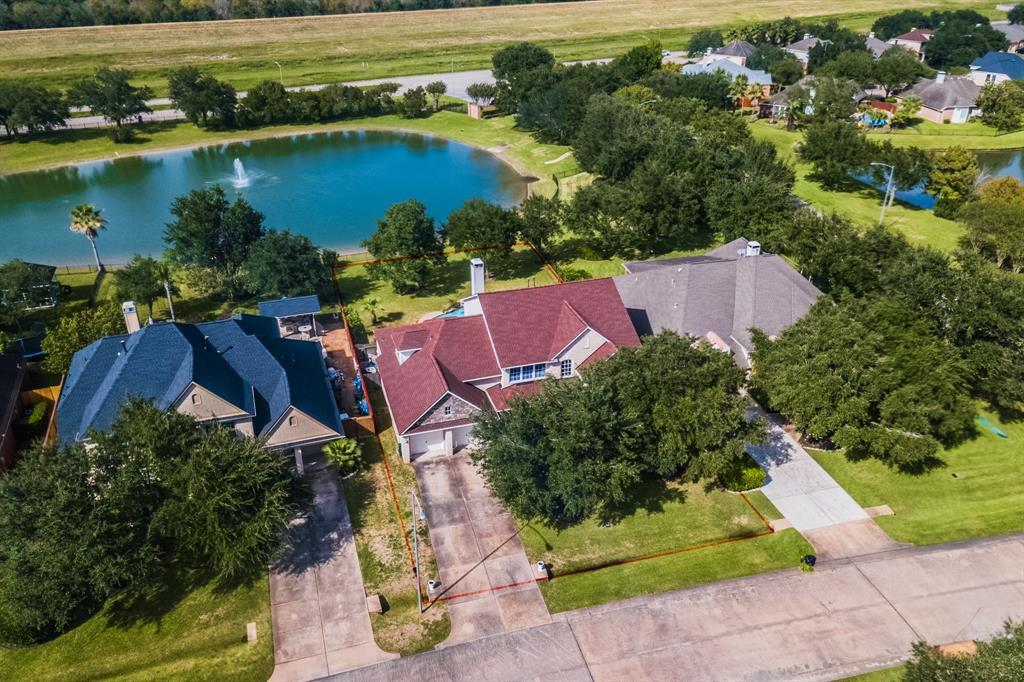 427 Crestwater Trail Houston, TX 77082
