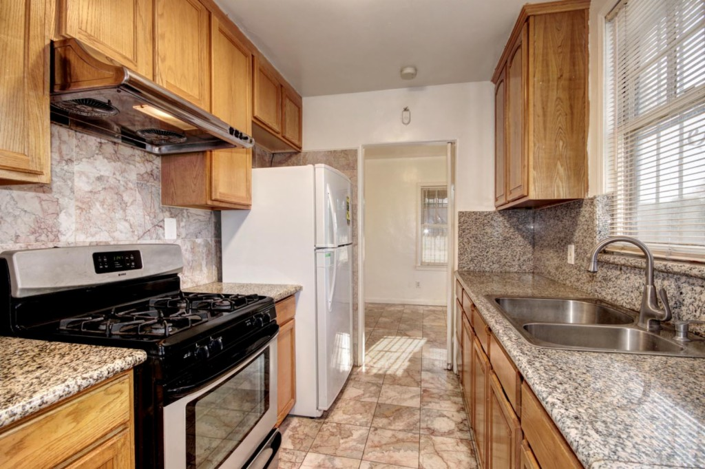 1301 W Street, Sacramento East, California 2 Bedroom as one of Homes & Land Real Estate