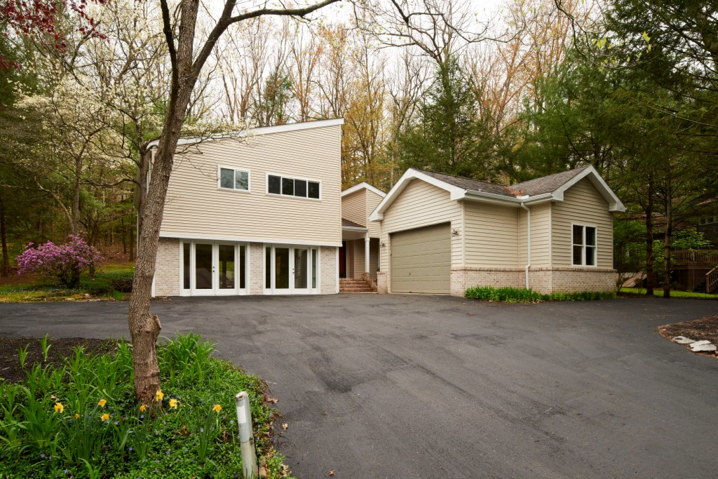 13 Coventry Lane State College, PA 16803