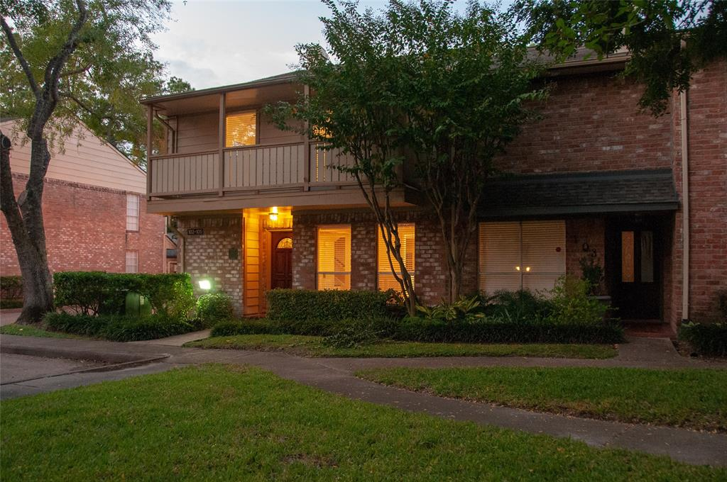 727 Bunker Hill Road, Central West Houston, Texas