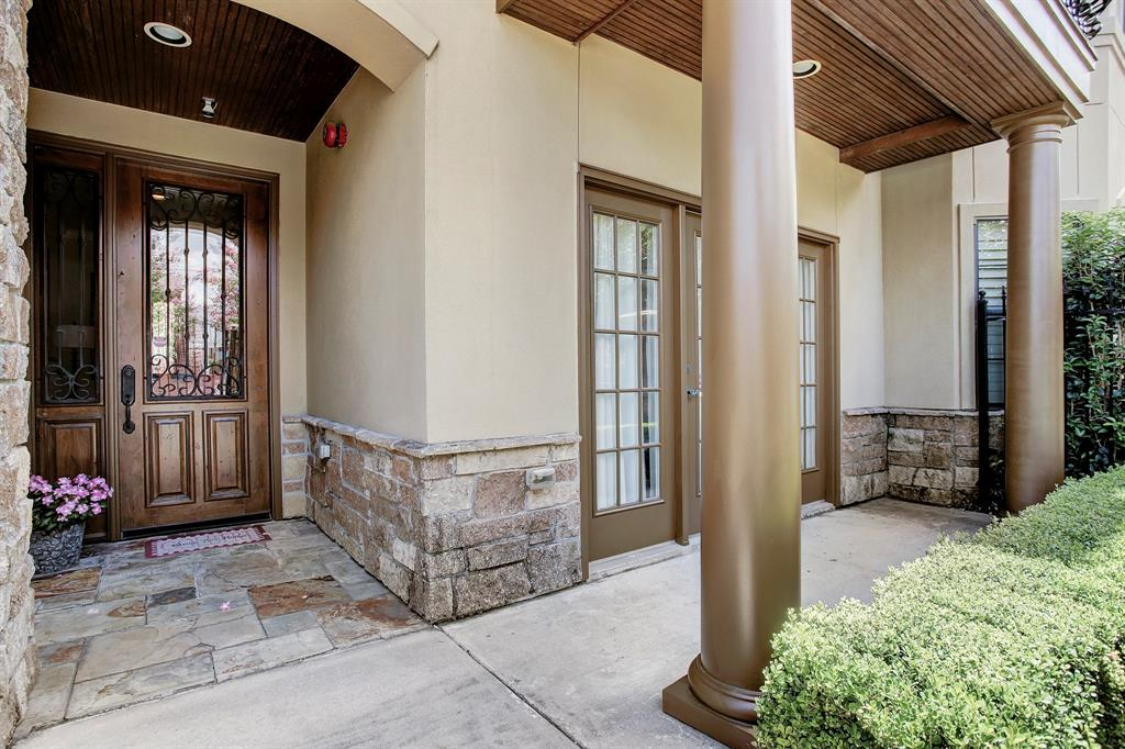 2405 Commonwealth Street, Houston-Montrose in Harris County, TX 77006 Home for Sale