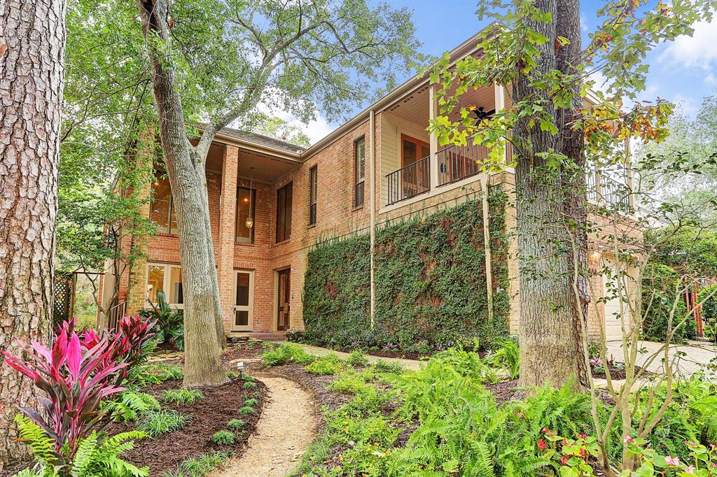 9061 Briar Forest Drive, Central West Houston, Texas
