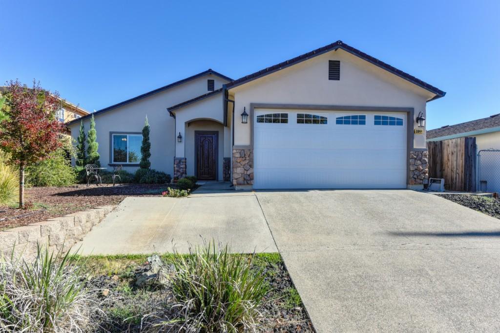 3944 Creekside Auburn, CA 95602
