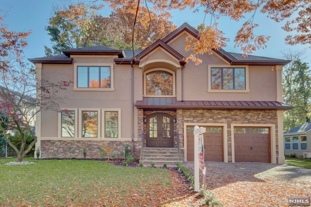 390 5th Avenue, Paramus, New Jersey