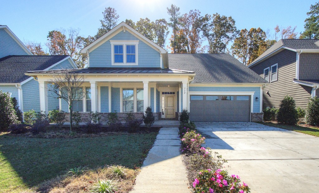 732 Yellow Jessamine Dr., Lake Wylie South in  County, SC 29710 Home for Sale