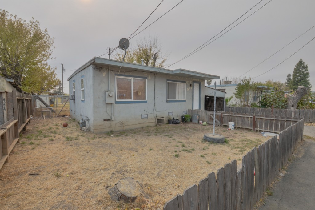 4224 Mary Ave Olivehurst, CA 95961