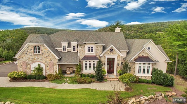 10 Weathervane Way, Mahwah, New Jersey