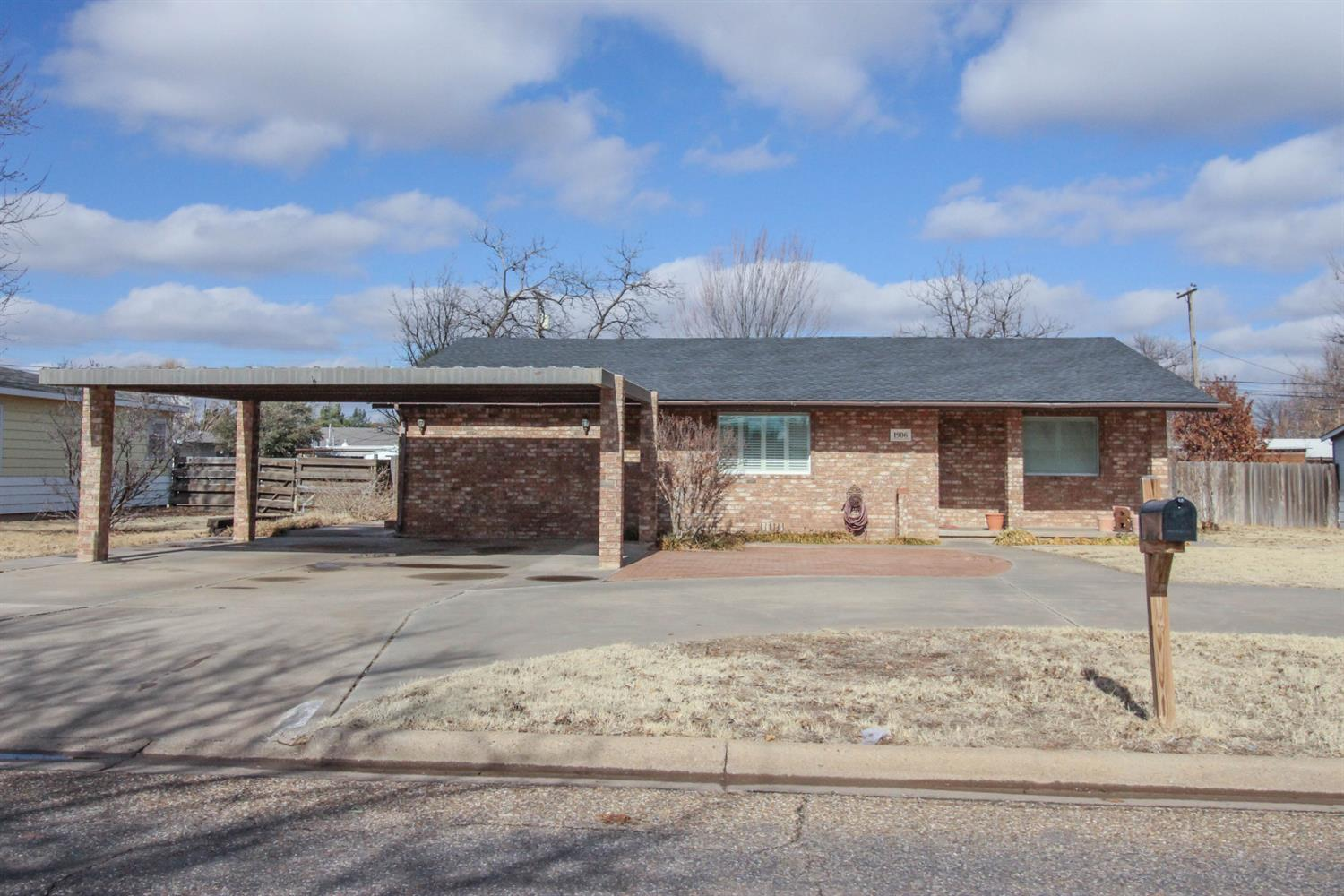Photo of 1906 West 19th  Plainview  TX