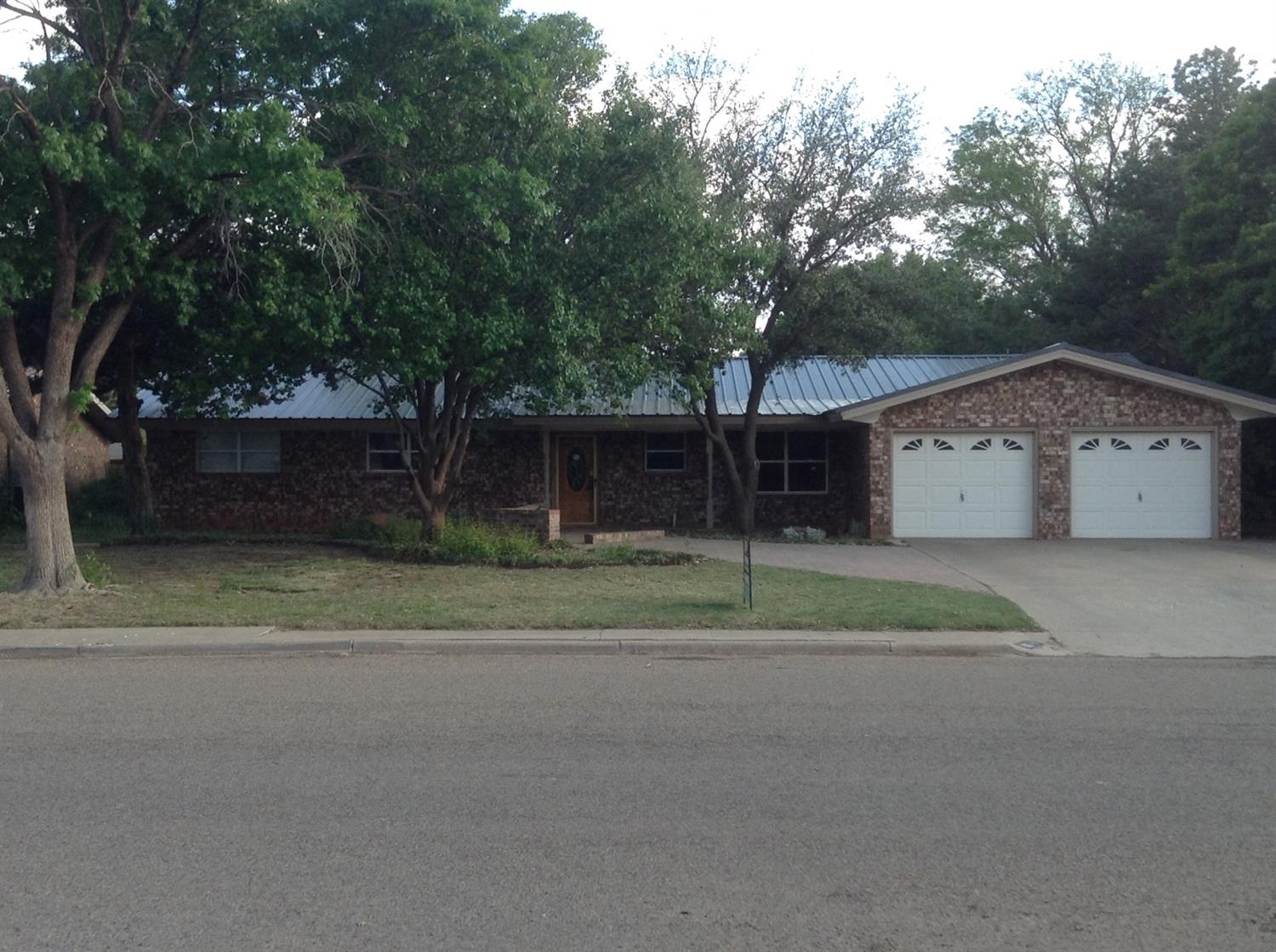 Photo of 106 Willow Wood  Levelland  TX
