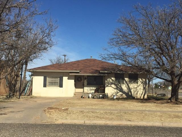 Photo of 419 Hicks Place  Levelland  TX