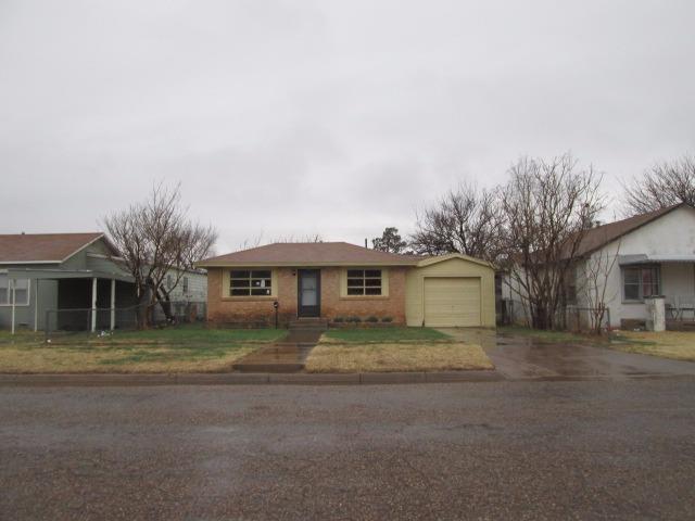 Photo of 745 South 15th Street  Slaton  TX
