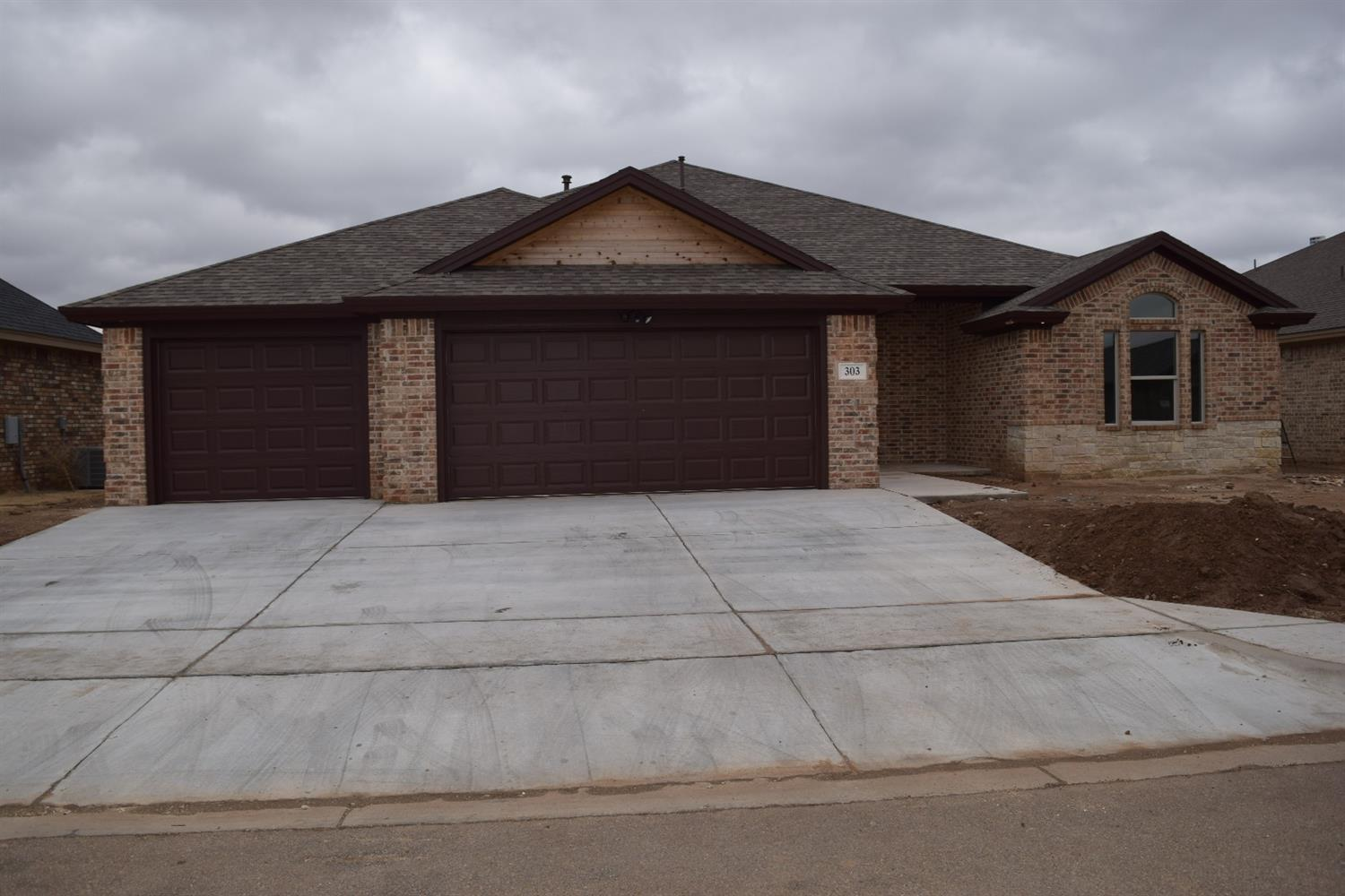 Photo of 303 Manchester Avenue  Wolfforth  TX