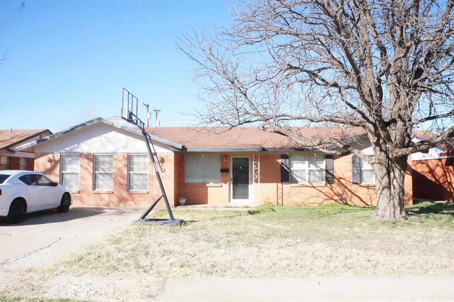Photo of 5518 16th Place  Lubbock  TX