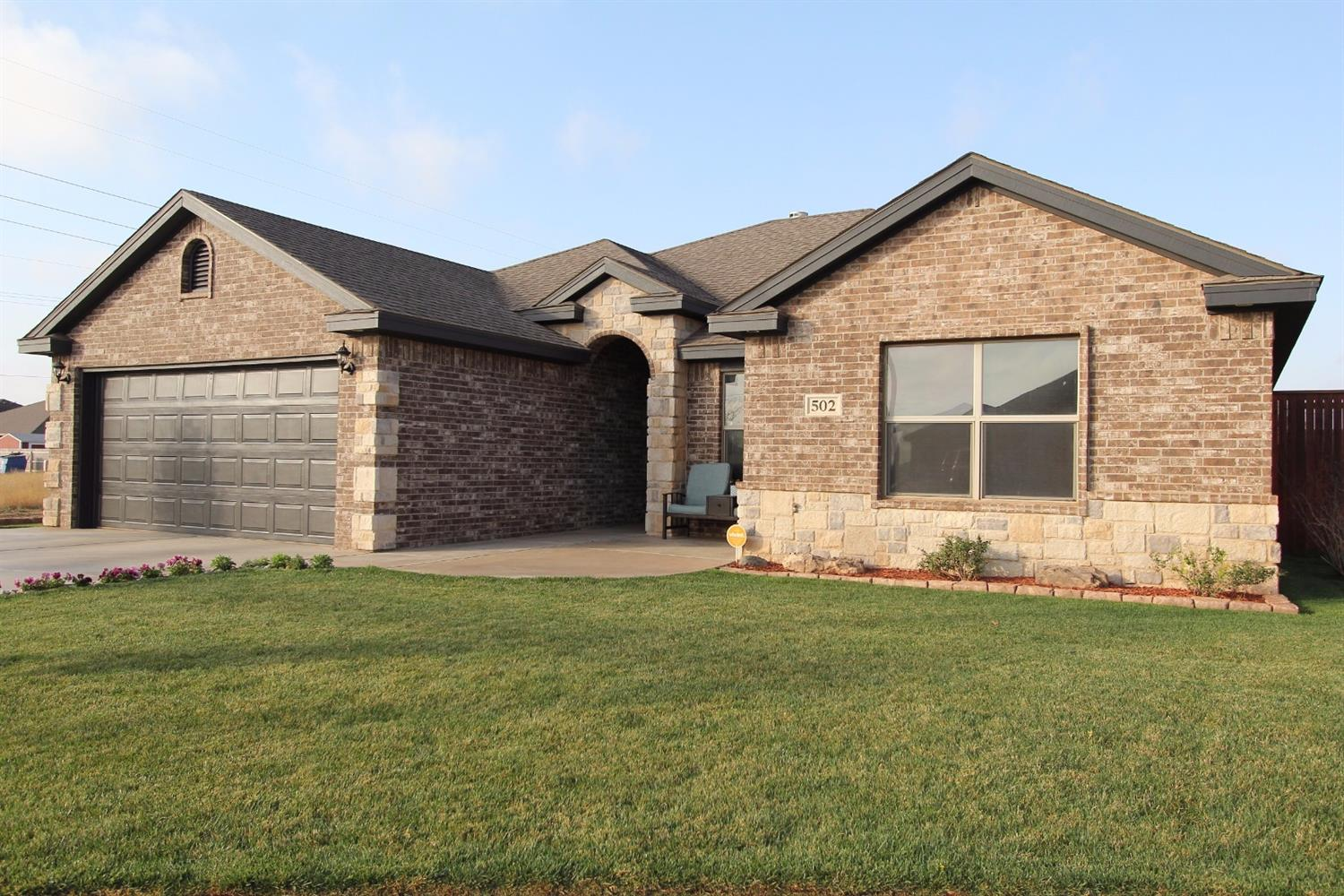 502 Arthur Ave, Wolfforth, TX 79382