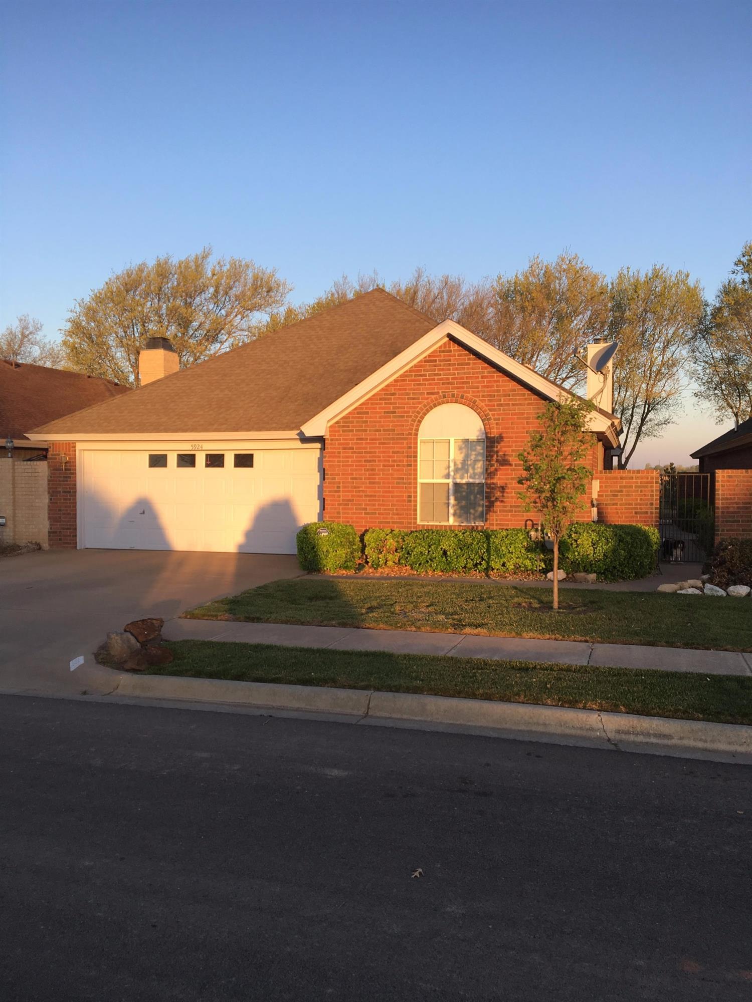 Photo of 5924 2nd Street  Lubbock  TX