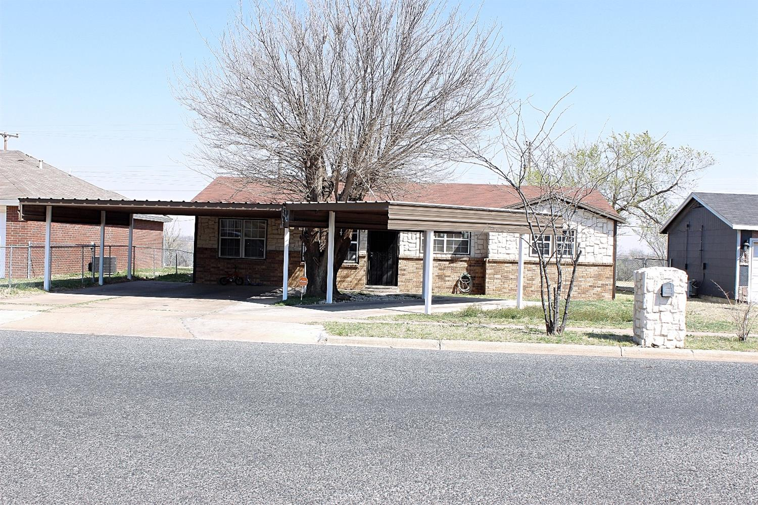 Photo of 2439 East 28th Street  Lubbock  TX